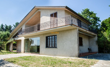 Villa con ingresso indipendente